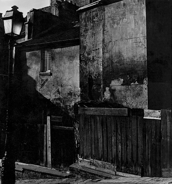Paris. Wall, 1954