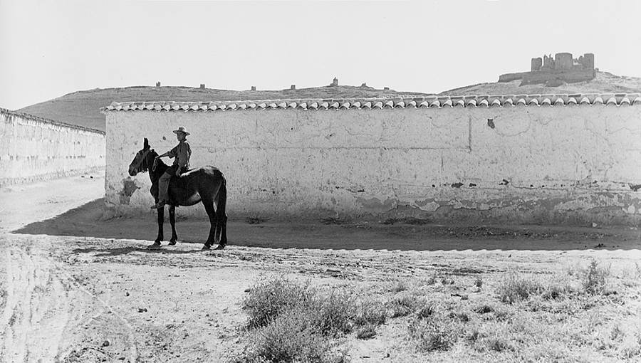 Knight in La Mancha, 1956