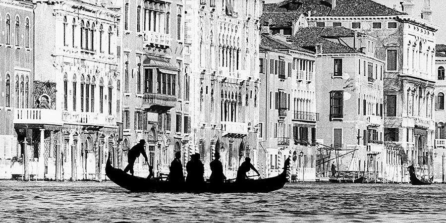 Gianni Berengo Gardin. Venice. Gondola at St Tomà, 1959 c.
